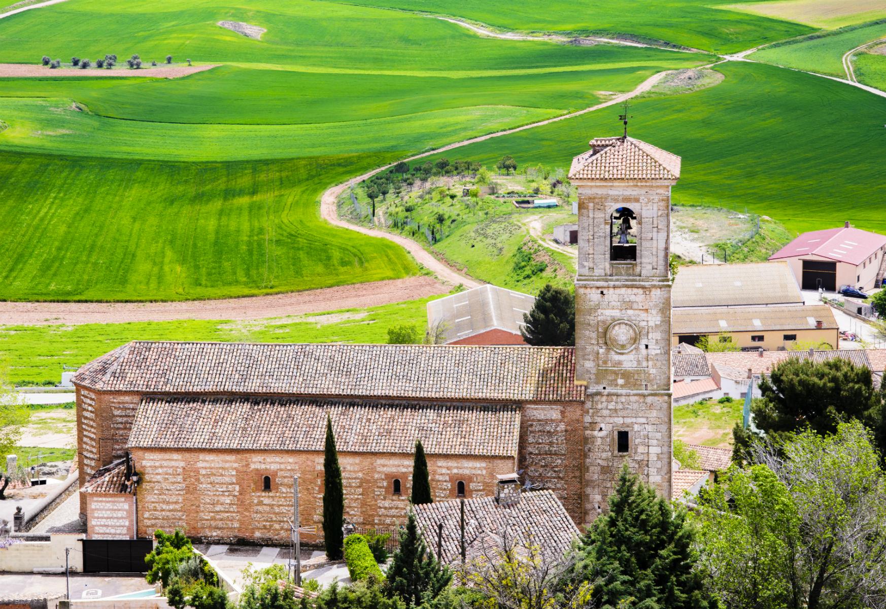 Iglesia de San Juan en primavera